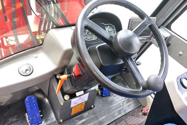 25RS Wheel Loader Cabin