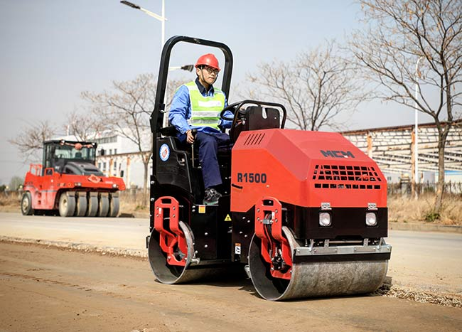 R1500 Asphalt Compaction Road Roller Machine
