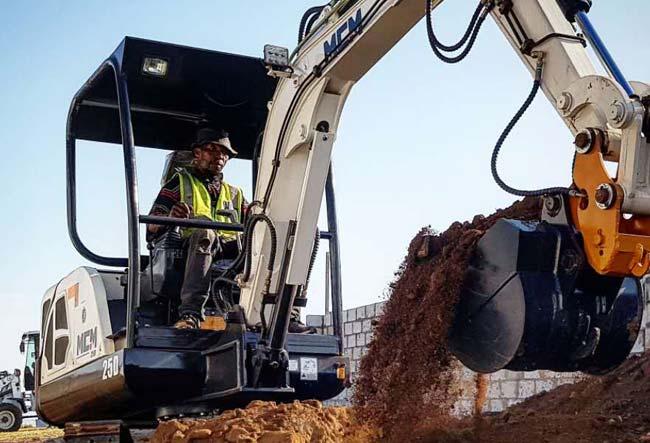 25D MCM Excavator South Africa Feeler Yanmar Kubota 04