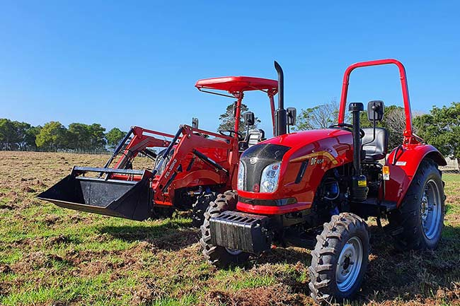 DF404-Dongfeng-Tractor-South-Africa-Agricultural-Trekker-40HP-4x4-3