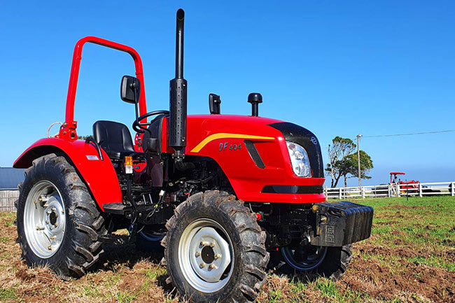 DF404-Dongfeng-Tractor-South-Africa-Agricultural-Trekker-40HP-4x4-4
