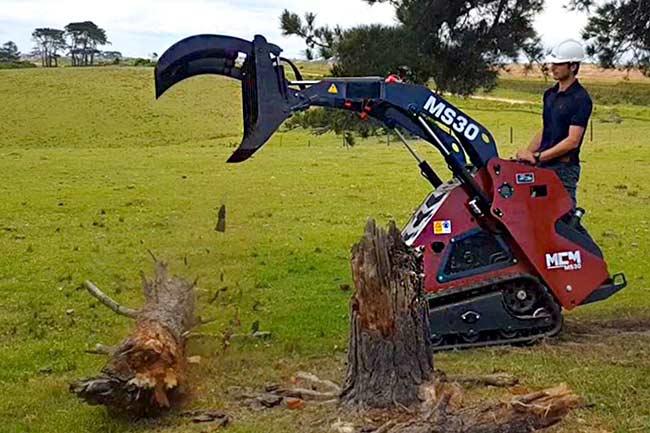MS30 Mini Skidsteer Grapple Logging