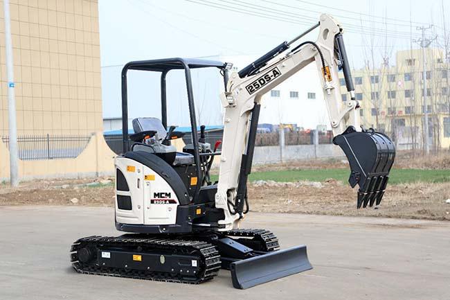 MCM 25DS-A Excavator