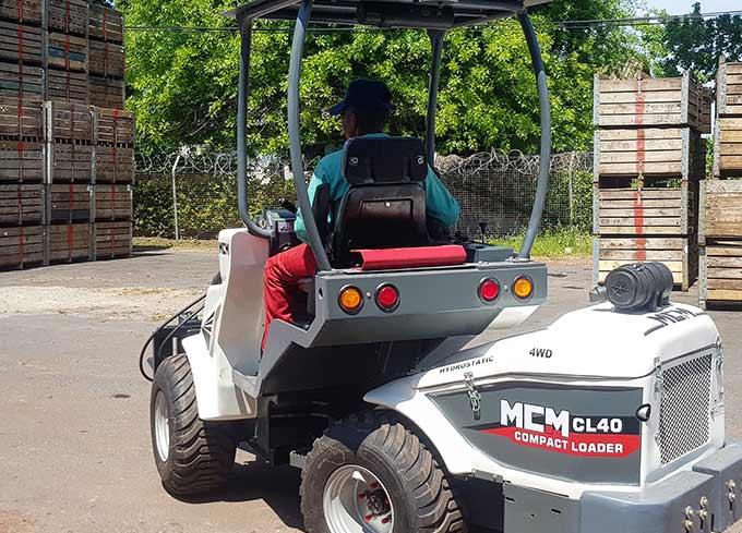 CL40 MCM Multi Loader Hydrostatic Telescopic Forklift Bin Fruit Farm