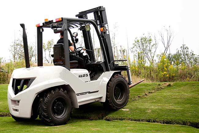RS25 2.5T Rough Terrain Forklift